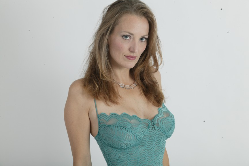 Delia (46)